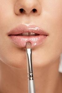 Макияж губ, как правильно красить губы.